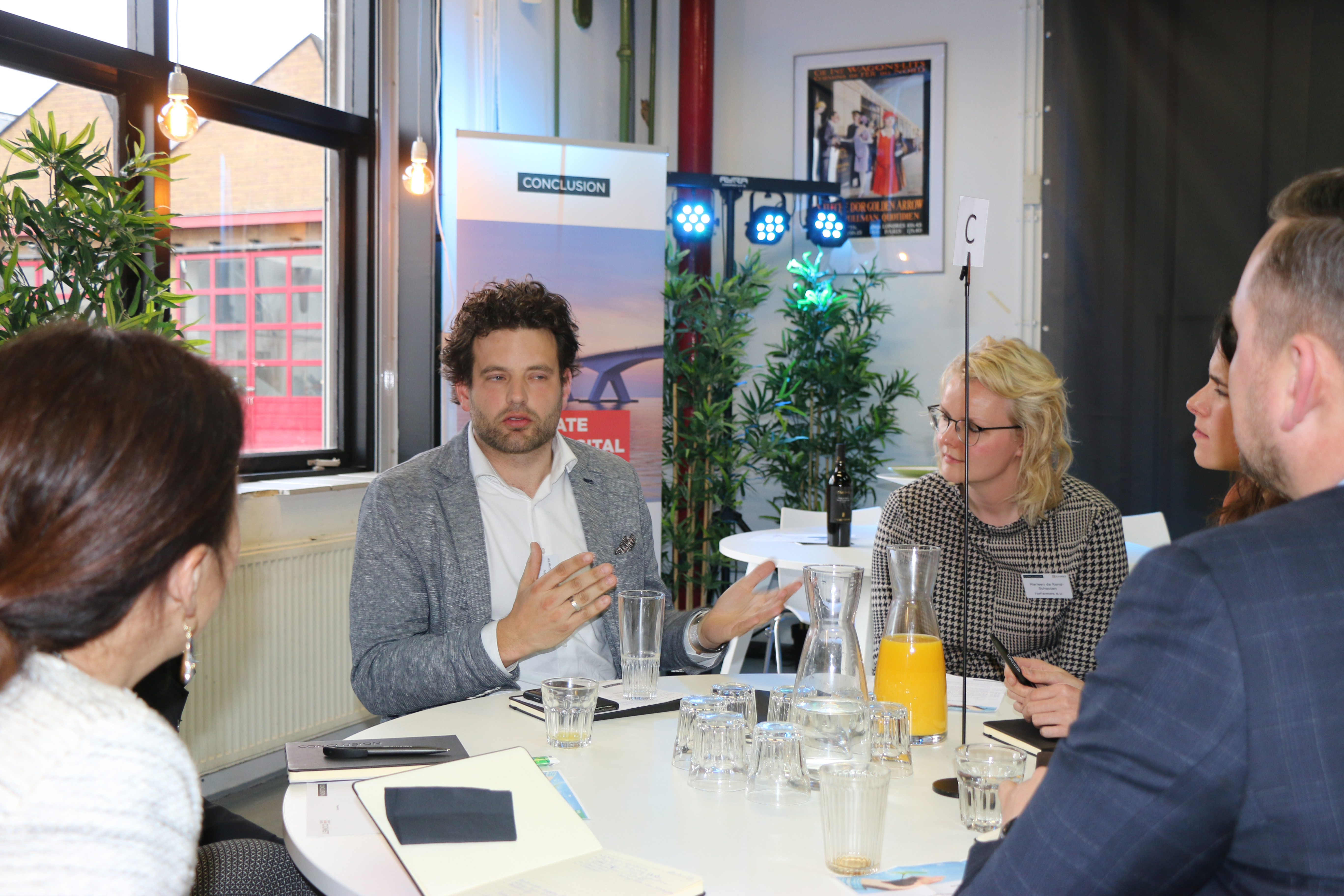 Digital Leaders in gesprek tijdens de Future of Food Chainge bijeenkomst 28 maart 2019 in de 3D Makers Zone